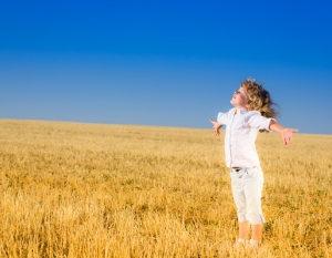 【幸運の波動法則】!なぜ人の幸せを願うと、自分も「幸せ」を引き寄せる?